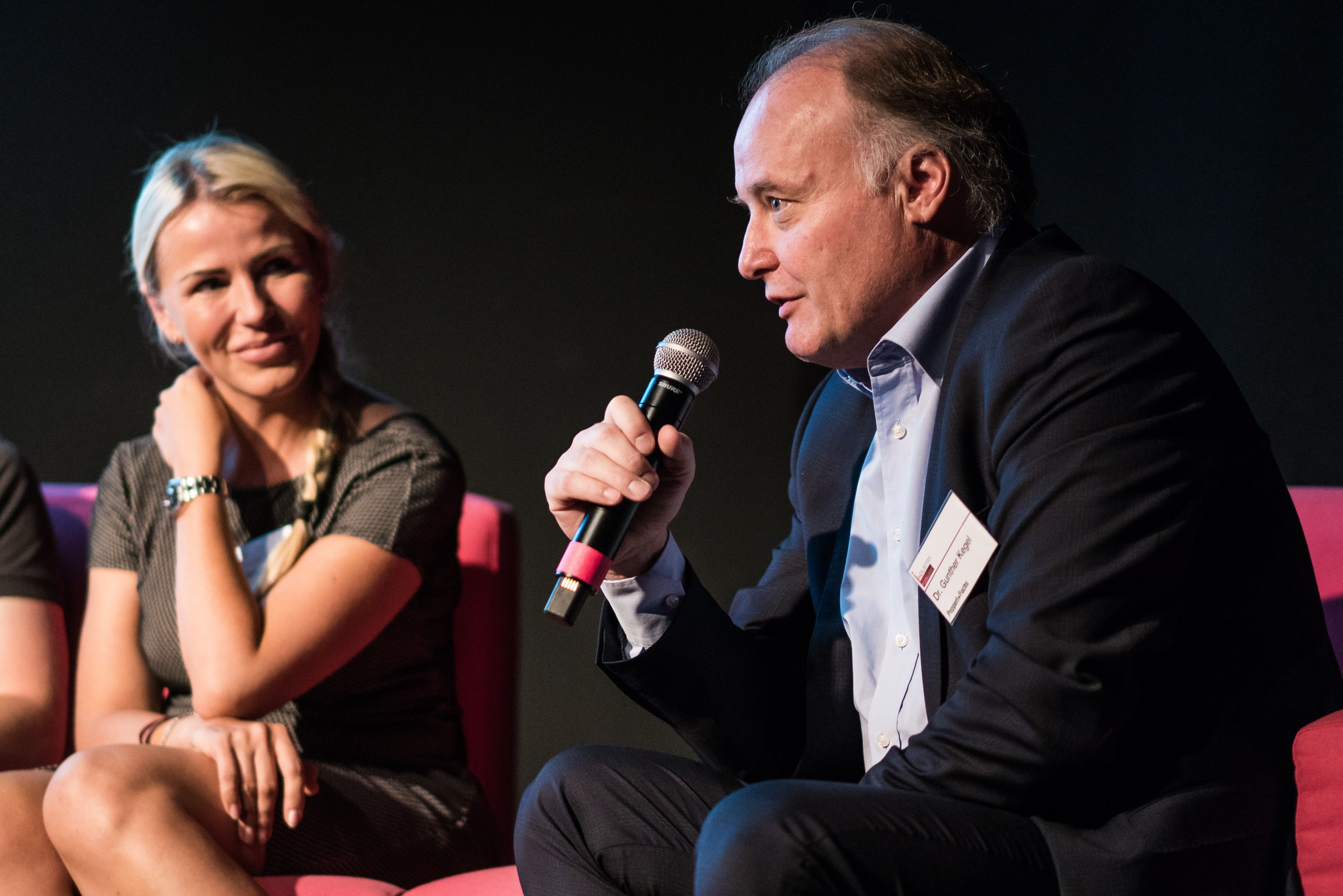 """Interview mit Digitalisierungsexperte Dr. Gunther Kegel: """"Es braucht kein neues Geschäftsmodell, sondern das Alte digitalisiert."""""""
