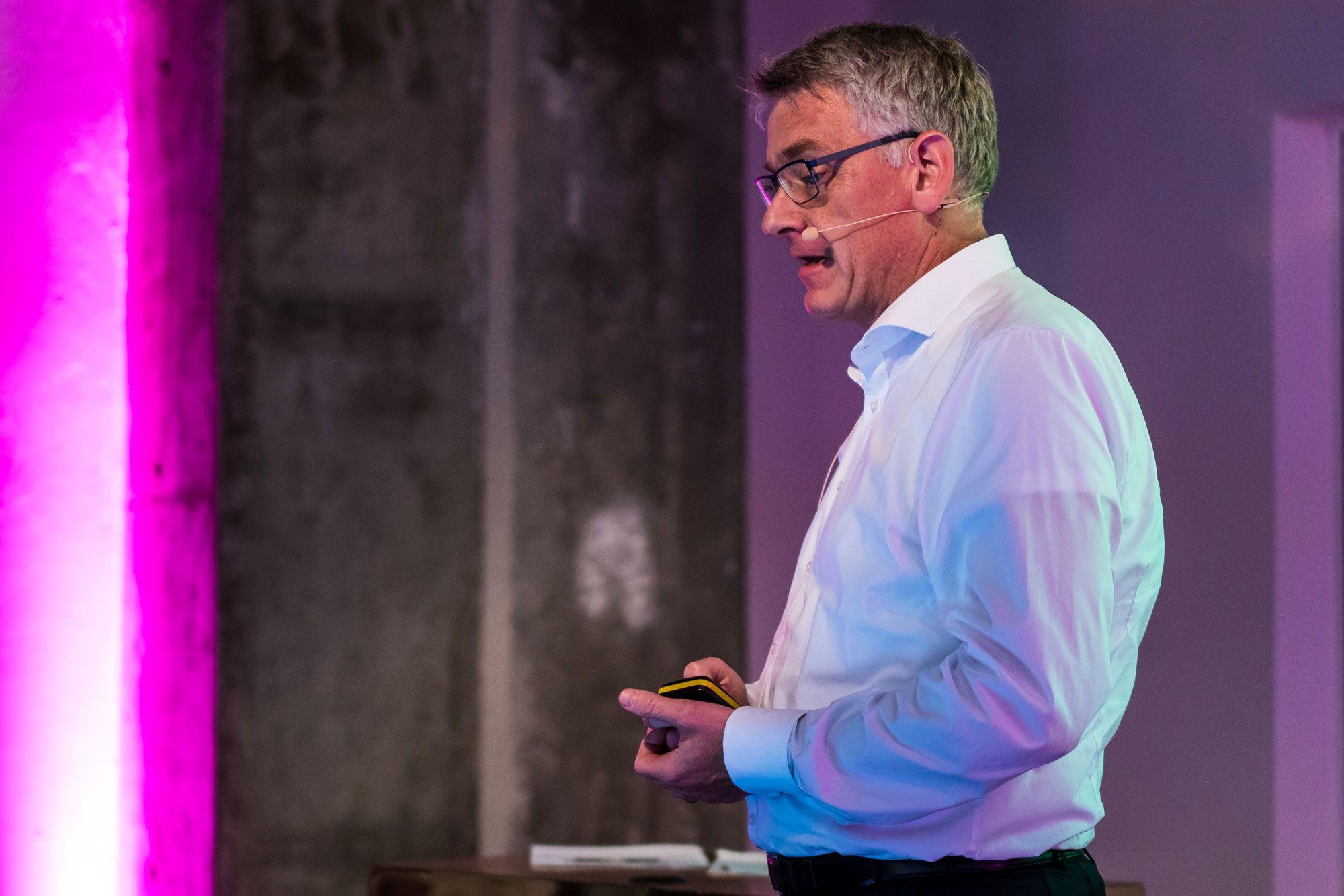 Hans Sondermann (Rittal) & Maximilian Brandl (Eplan & Cideon): Strategie 4.0 umsetzen – so wird ein Schaltschrankbauer digital