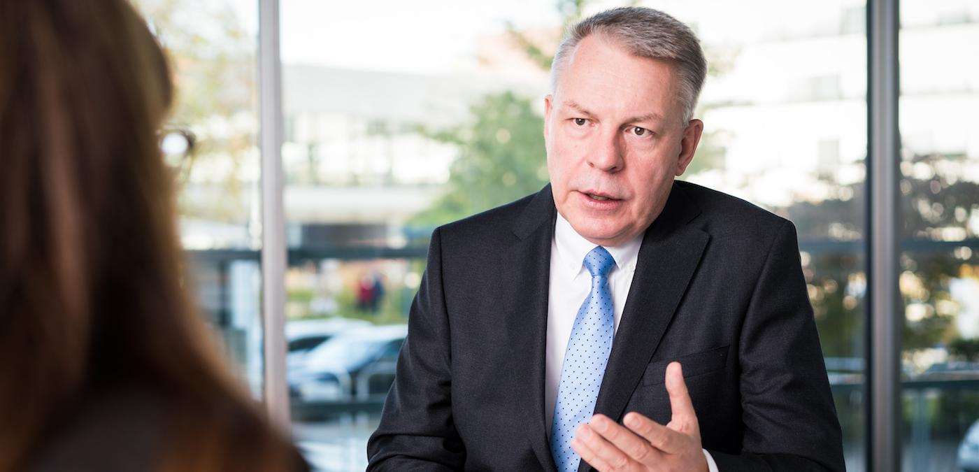 """Interview mit Hans-Georg Krabbe, Vorstandsvorsitzender ABB Deutschland – """"Die Digitalisierung hebt die Automatisierungstechnik auf eine völlig neue Stufe"""""""