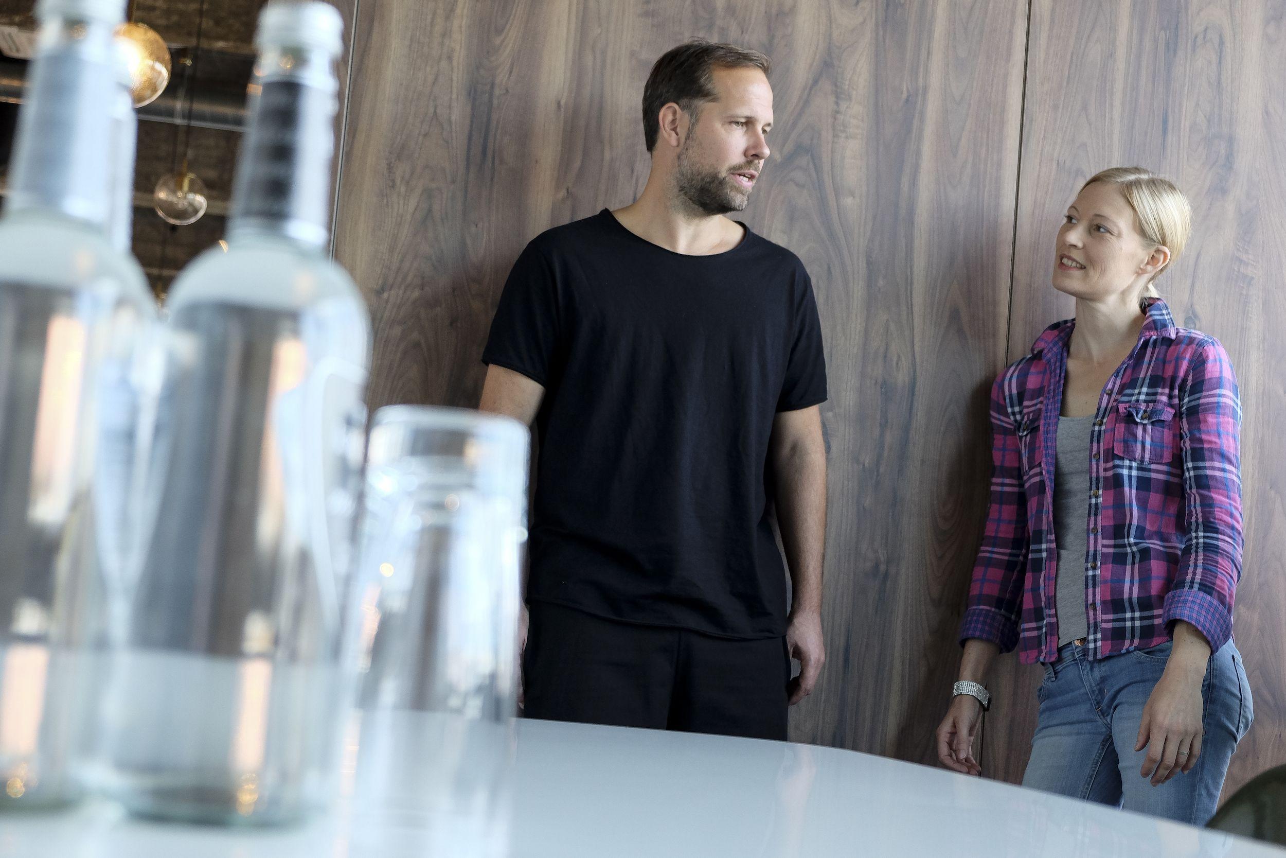 """Interview mit Shiftschool-Gründer Tobias Burkhardt """"Spezialisten hat dieses Land genug"""""""